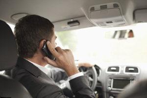 गाडी चलाउँदा मोबाइलमा कुरा गर्ने २९ हजार चालक कारबाहीमा