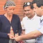 समाजसेवी डा.शर्माद्वारा क्यान्सरपीडितलाई सहयोग