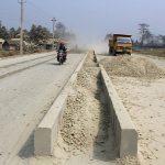 मोरङको विराटचोक–घिनाघाट सडक बिस्तारको काम अवरुद्ध (भिडियो रिपोर्टसहित)