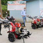 धनकुटा र तेह्रथुमका १५५ कृषकलाई मिनी पावर टेलर वितरण